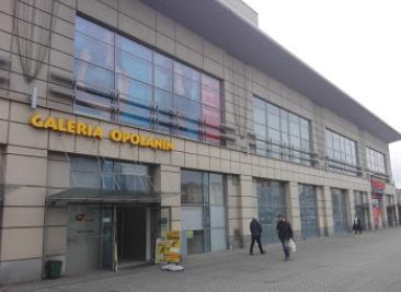 Wejście od Rossmana Opolanin LJM